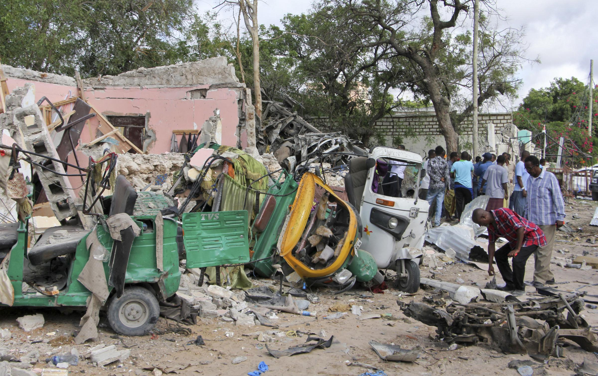 Terrorist Attack in Somalia Kills 19 in Mogadishu Hotel, Restaurant