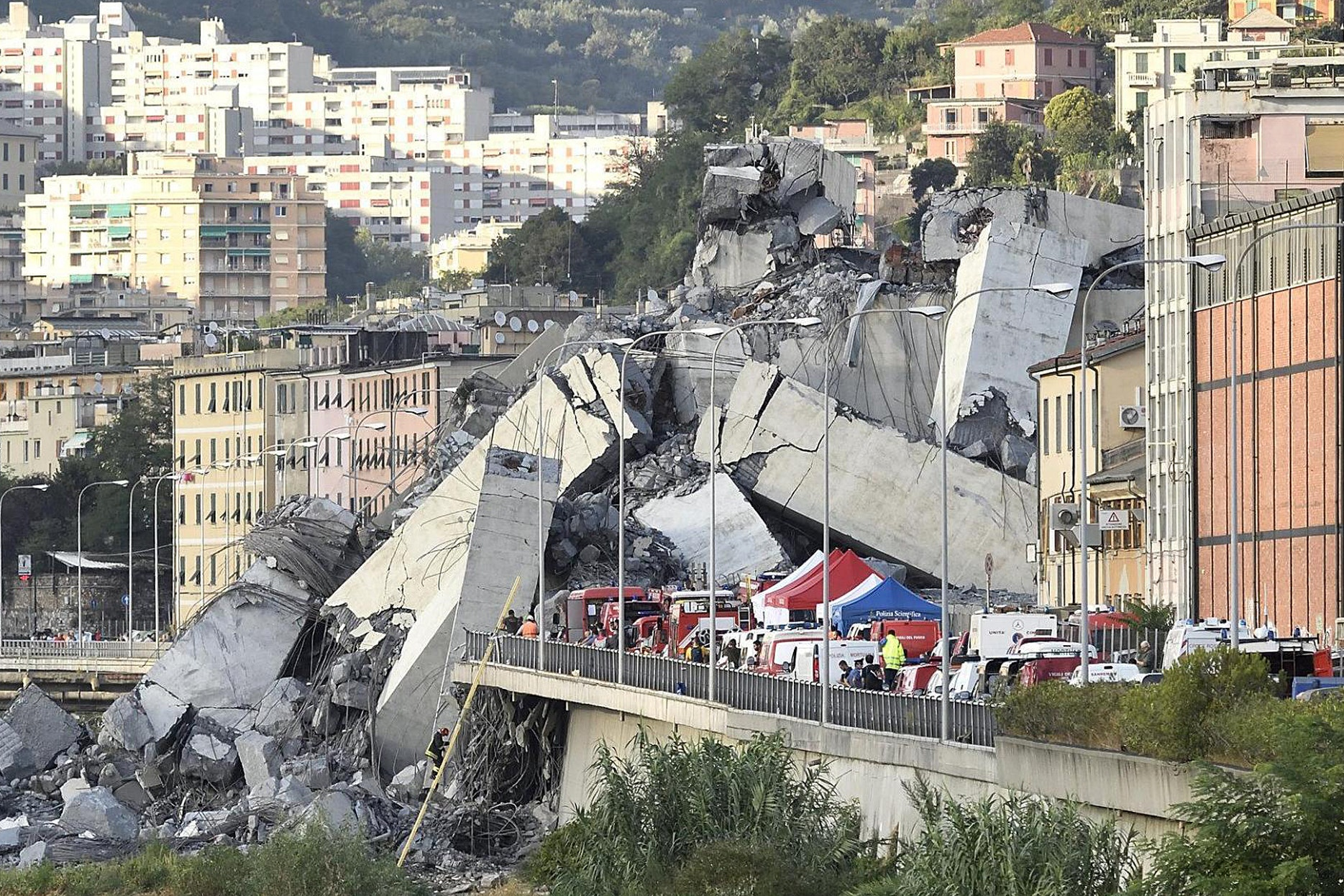 Italian motorway operators' shares plummet after deadly bridge collapse